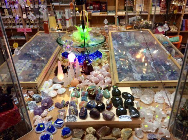 Obchod – kameny a polodrahokamy